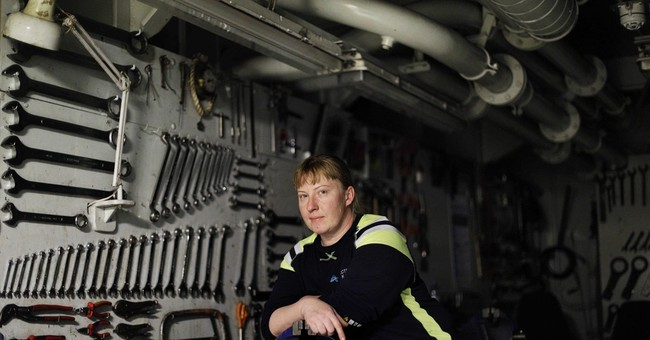 AP PHOTOS: Portraits of an icebreaker crew, researchers