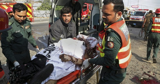 Pakistan: Suicide bombing in Lahore kills 26, wounds 54