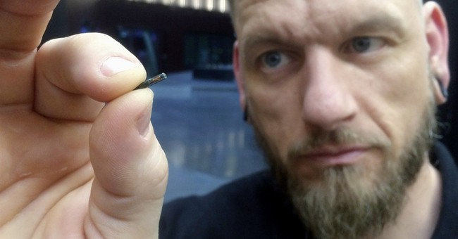 Cyber staff: Wisconsin company offers to microchip employees