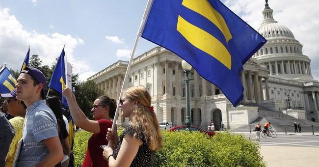 Trump's transgender troops ban divides veterans in Congress