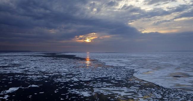 Icebreaker sets mark for earliest Northwest Passage transit