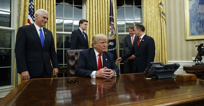 Trump White House ringed by 'swamp' denizens despite pledge