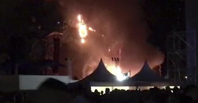 20,000 fans flee huge fire at music festival in Barcelona