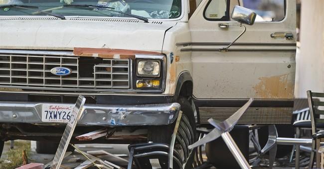 The Latest: Van strikes diners on LA sidewalk, 8 injured