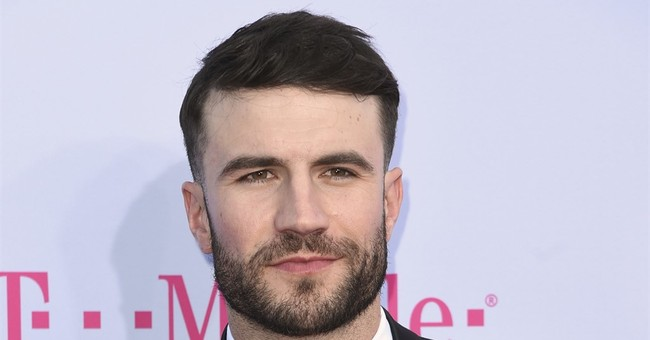 "Sam Hunt makes chart history with ""Body Like a Back Road"""