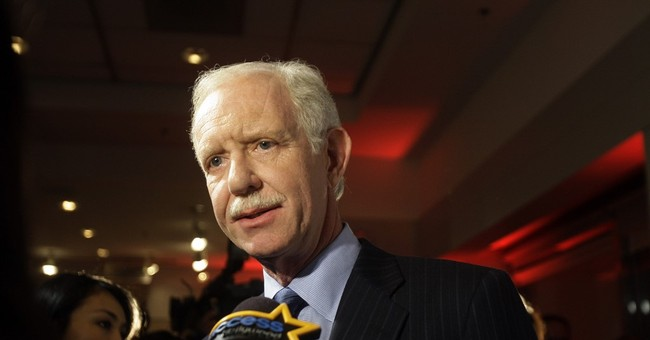 Flying ace Sully makes case against privatization