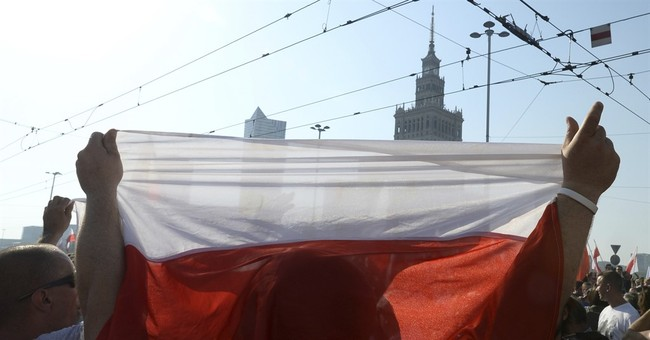 Poles commemorate Warsaw Uprising on 73rd anniversary