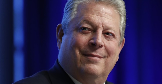 Pro-Trump mayor of sinking island questions Al Gore on CNN