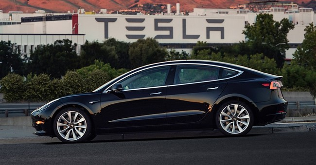 Tesla moves to sooth worries about Model 3 output targets