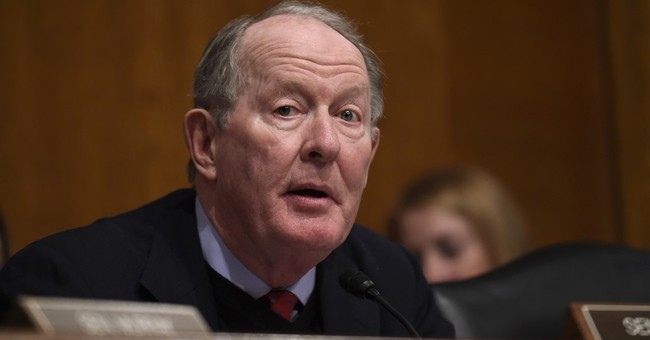 Bipartisan drive to pay health insurers faces Senate hurdles