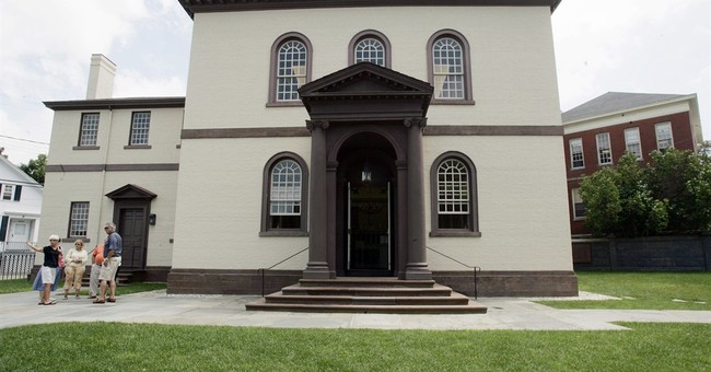 Congregation at oldest US synagogue reviewing legal options
