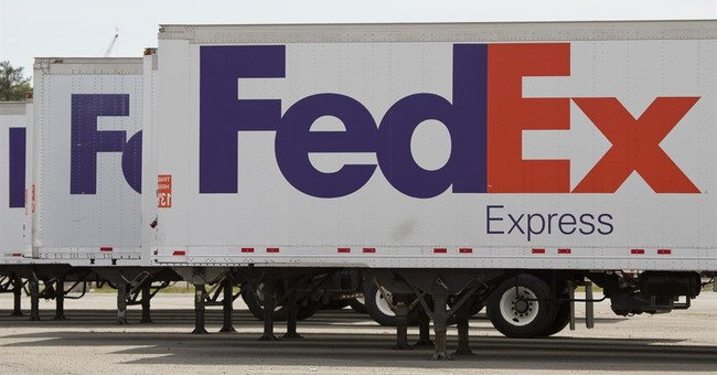 FedEx, in online pivot, backs away from holiday surcharges