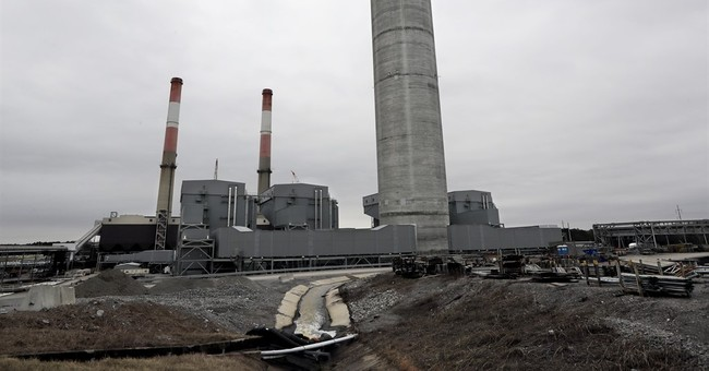 Judge: Federal utility must remove coal ash at power plant