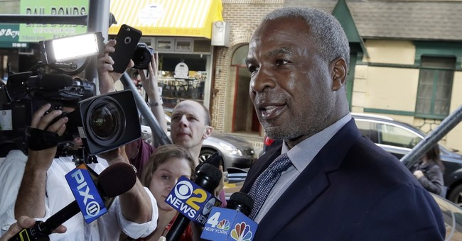 Charles Oakley has deal on charges over melee at Knicks game