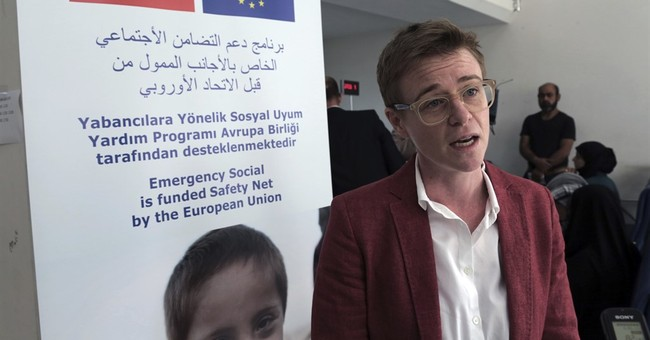 EU: 850,000 refugees in Turkey benefit from cash assistance