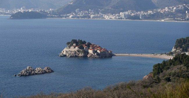 Despite Kremlin's warnings, Russians flock to Montenegro