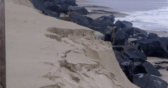Beachfront owners reject US help, pay for own storm barrier