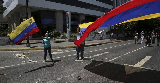 New US penalties against 8 more people over Venezuela crisis