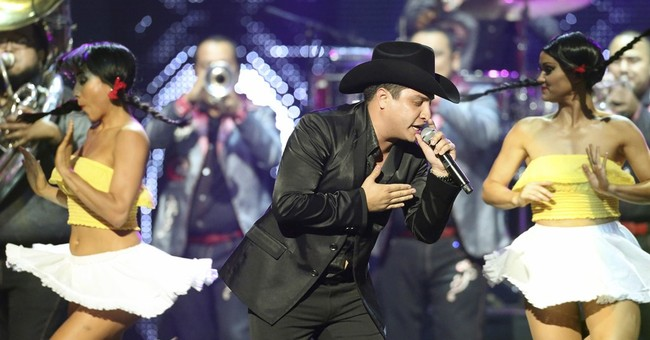 Mexican singer: I knew suspect, but not as drug trafficker