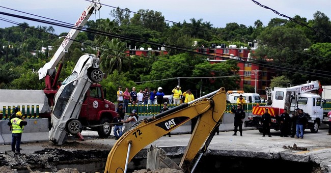 Mexico experts: Outdated drain caused July's deadly sinkhole