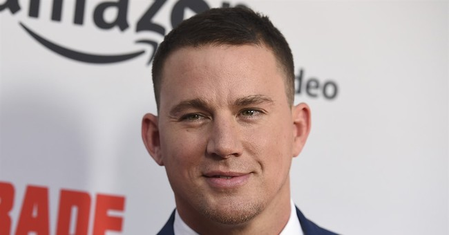 Channing Tatum dances with cashier at gas station