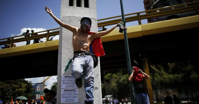 Analysis: Trump 'military' talk on Venezuela unnerves LatAm