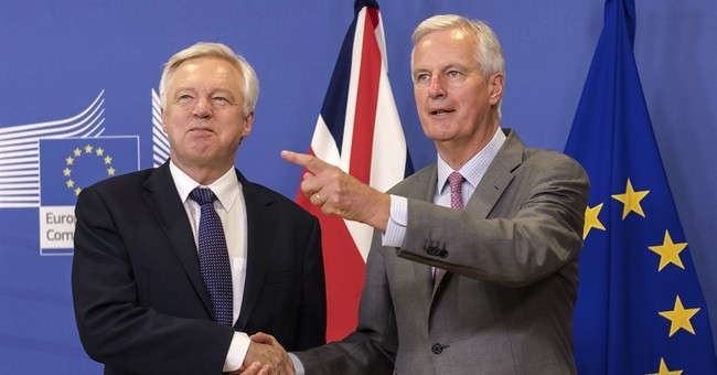 UK says it may seek 'temporary' customs union with EU