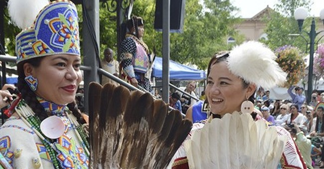 Santa Fe Indian Market fuses tradition with contemporary art