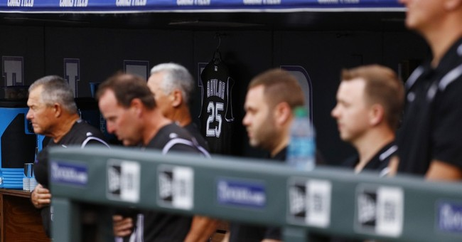 Bettis back from cancer treatment, Rockies blank Braves 3-0