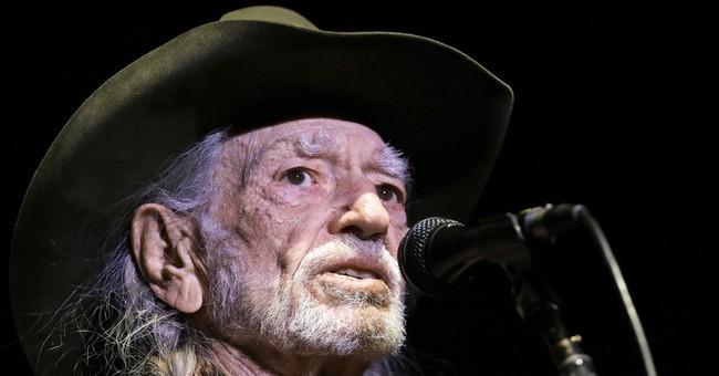 Willie Nelson cuts show short, cites Utah's high altitude