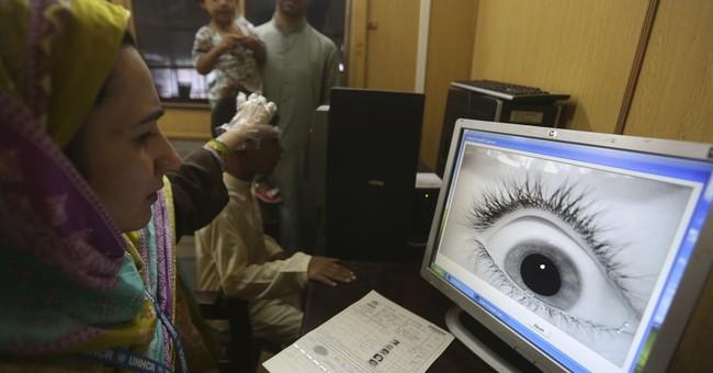 Pakistan begins drive to register Afghans who fled war