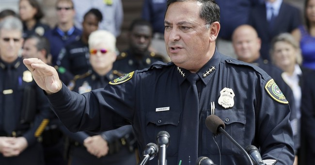 Texas police chiefs start adapting to sanctuary cities law