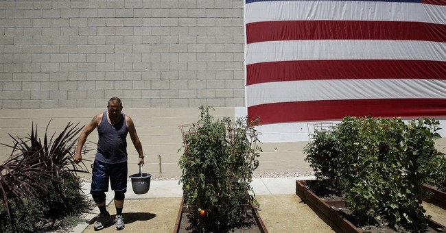 Once homeless, Iraq War veteran moves into unique new home