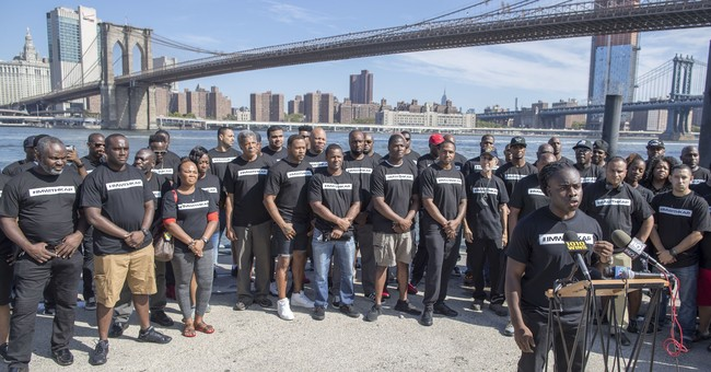 Serpico, others from NYPD, rally in support of Kaepernick