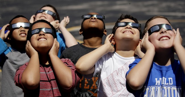 Schools in eclipse's path seize on ready-made science lesson