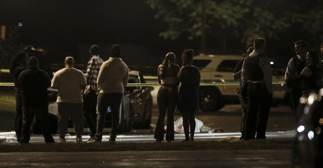 33 wounded, 6 fatally, in weekend shootings in Chicago