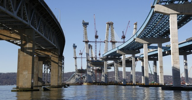 First span of NY bridge built to carry millions opening