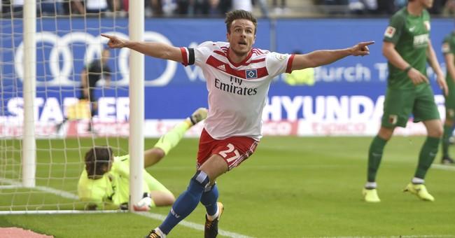 Hamburg's Mueller out 6 months after costly goal celebration