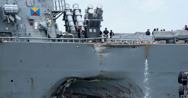 Navy orders 7th Fleet review amid search for 10 from McCain