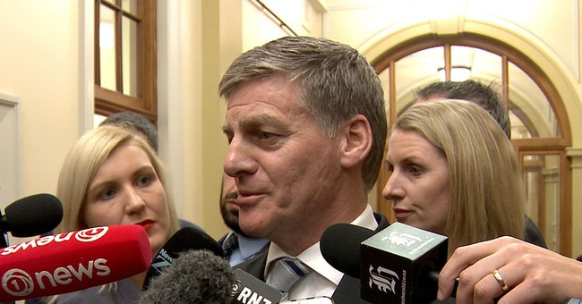 3rd New Zealand party leader quits in close election race