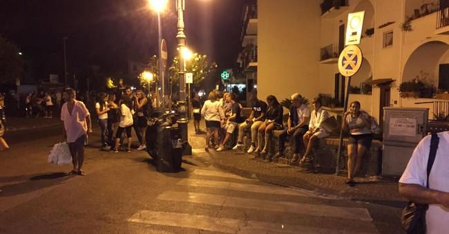 Italy quake rocks resort island of Ischia, at least 1 dead