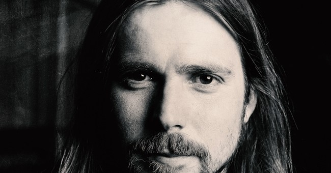 Review: Lukas Nelson delivers soulful, striking songs