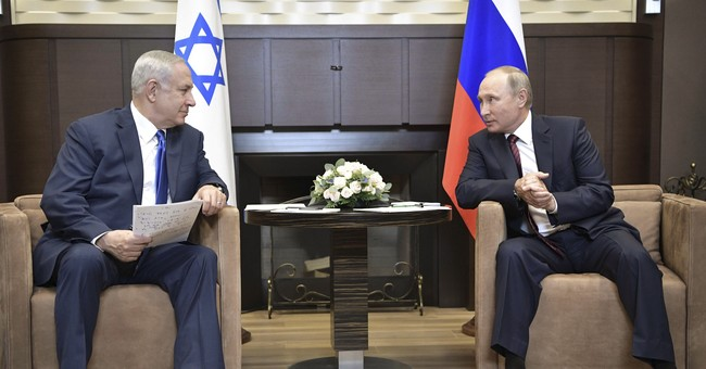 Israeli PM in Russia to air concerns about Iran's expansion