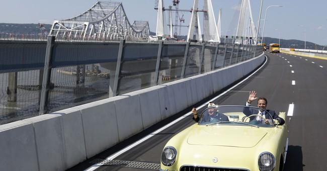 Gov. Cuomo cuts ribbon at ceremony for bridge named for dad