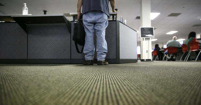 US weekly requests for jobless aid up 2,000 to 234,000