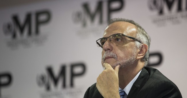 Guatemala prosecutor seeks removal of president's immunity
