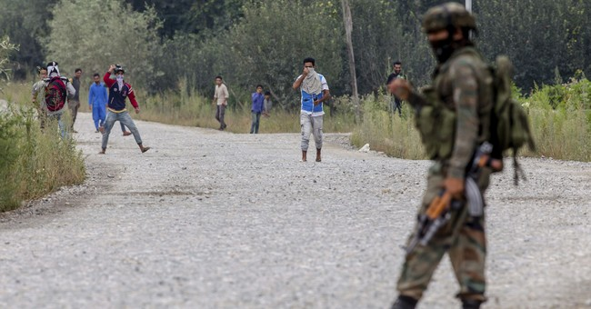 Rebels storm Indian police camp in Kashmir; 10 killed