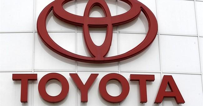 Toyota recalls 79,000 pickups; steps in bumper could break