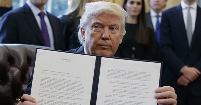 Rebuking Obama, Trump boosts Keystone XL, Dakota pipelines