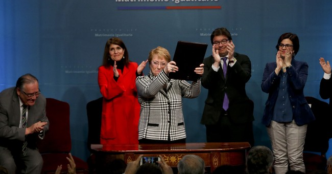 Chile's Bachelet presents gay marriage bill
